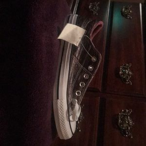 Converse  size 7 tags still on never worn